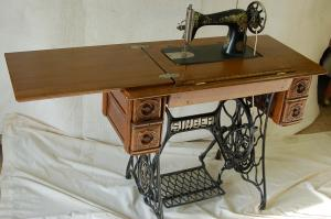 Antique Tredle Sewing Machine Restoration