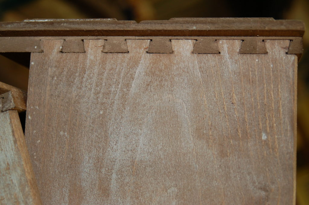 Dove tail Joint